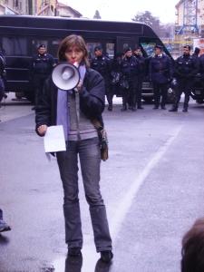 Lezioni in via S. Faustino, una docente dell'Université de Nice (foto Valeria Spadini per bracebracebrace)