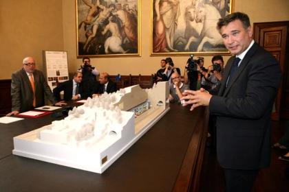 La giunta Paroli presenta il progetto del parcheggio sotto al Castello