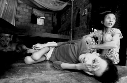 Vietnam, 30 anni dopo. Viaggio lungo il 'Sentiero di Ho Chi Minh' tra le giovani vittime dell'Agent Orange. Cam Nghia, Provincia di Quang Tri (foto Livio Senigalliesi)